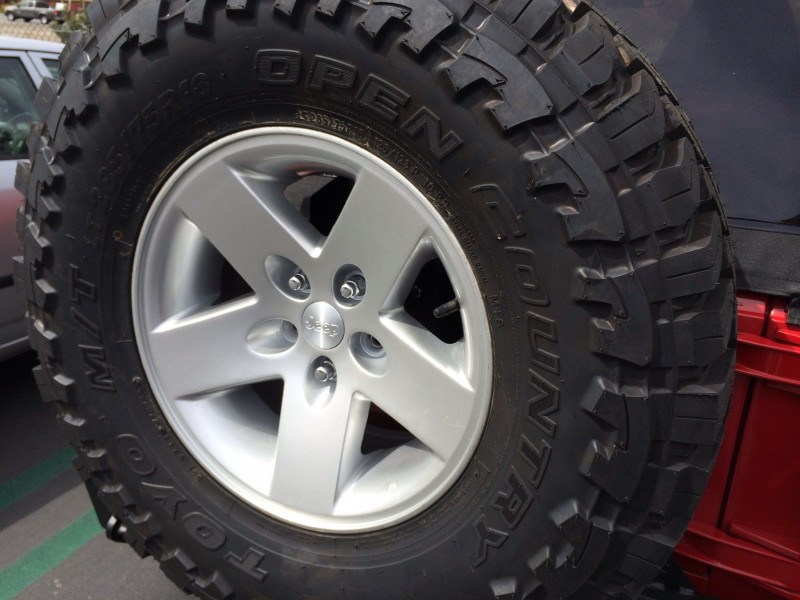 Set Of Five 285 75r16 Toyo Open Country M T Tires On